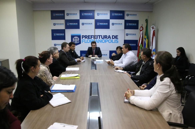 Reunião aconteceu no gabinete do prefeito